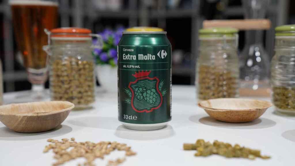 La lata de cerveza de Carrefour con extra de malta.