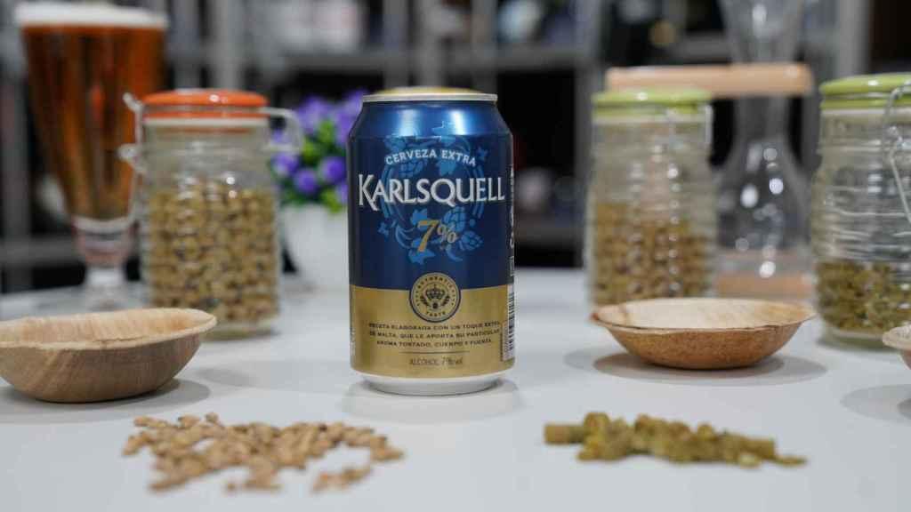 La lata de cerveza de Karlsquell con extra de malta, la marca blanca de Aldi.