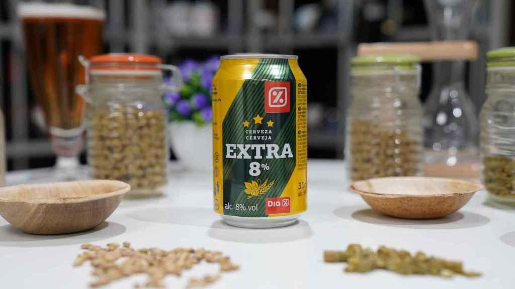La lata de cerveza de Dia con extra de malta.