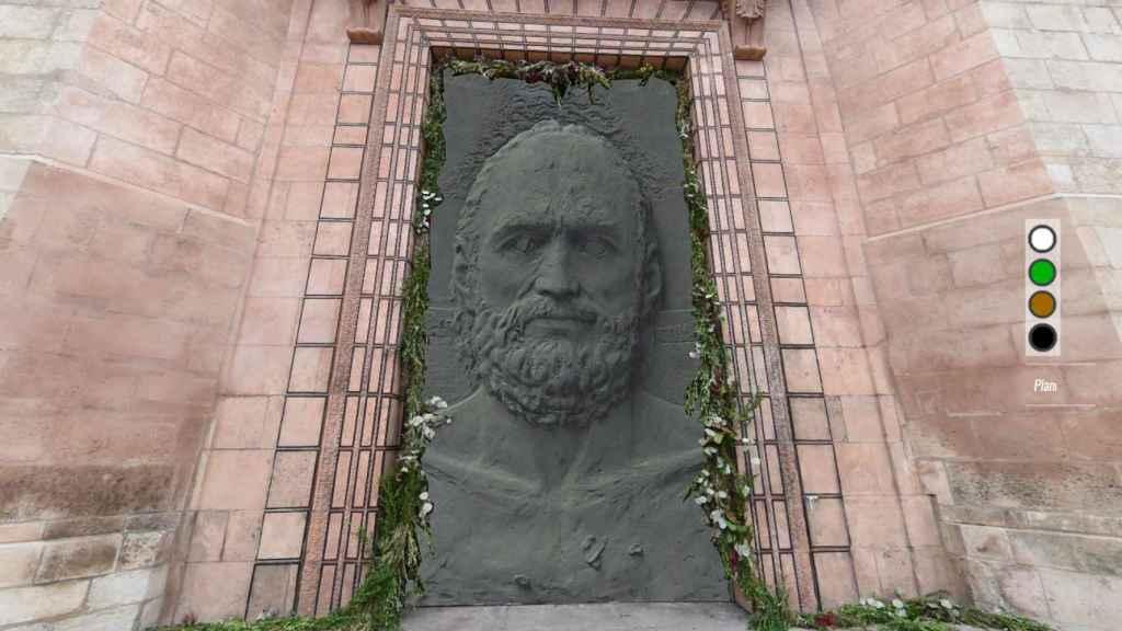 Representación virtual de la puerta central construida por Antonio López.