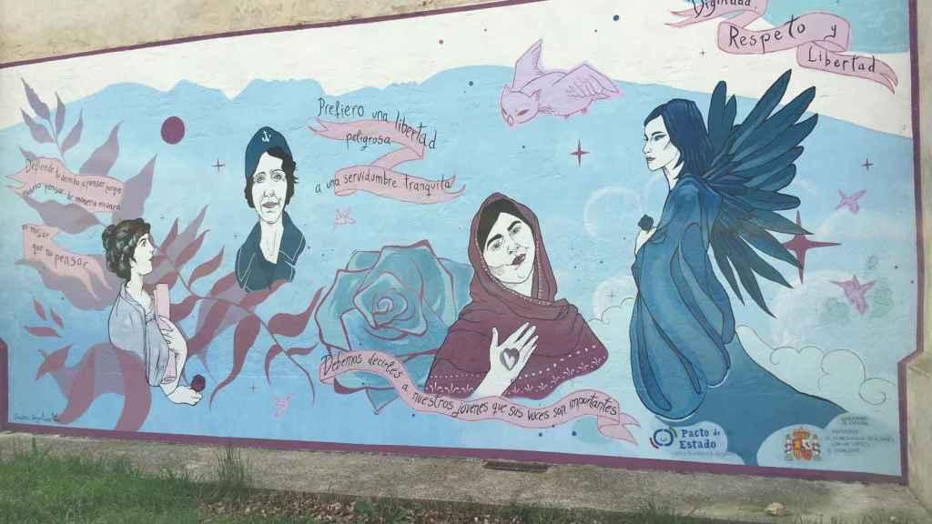 El mural a la entrada de Brieva inaugurado en noviembre de 2020 que recuerda a Lucía Bosé