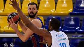 Mirotic (Barça) atacando ante el Zenit