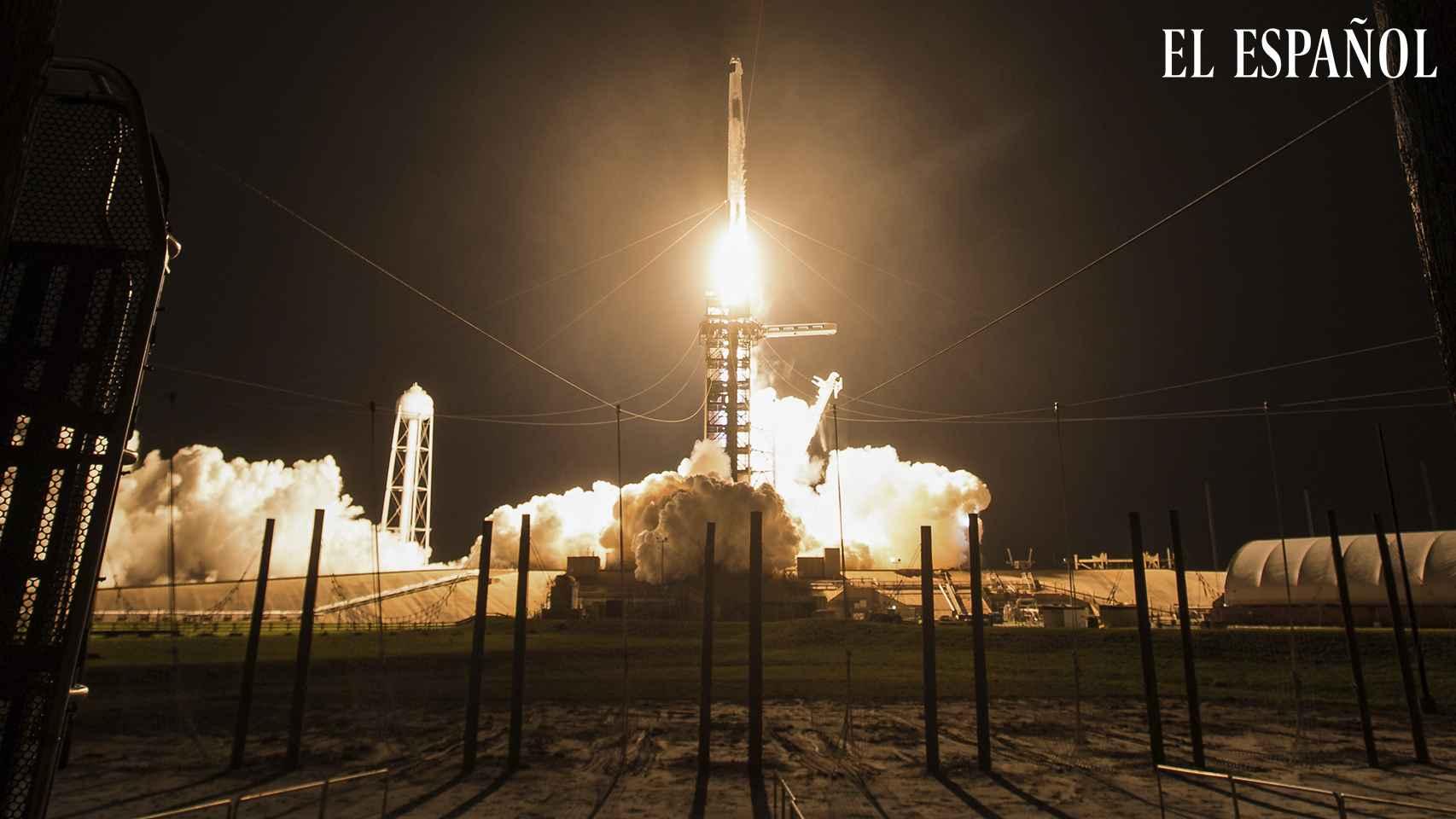 Despega de Florida segunda misión tripulada de la NASA y SpaceX