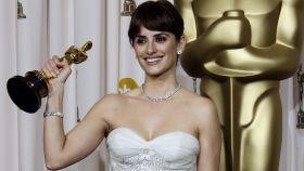 Penélope Cruz tras haber ganado su premio Oscar por 'Vicky Cristina Barcelona'.