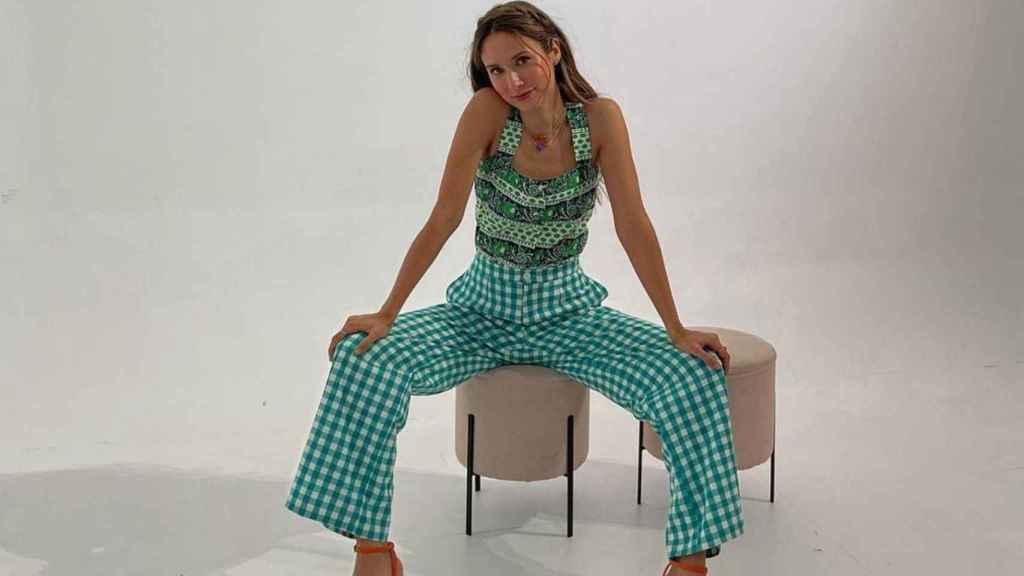 Grace Villareal posa con éxito con un 'outfit' de última tendencia.