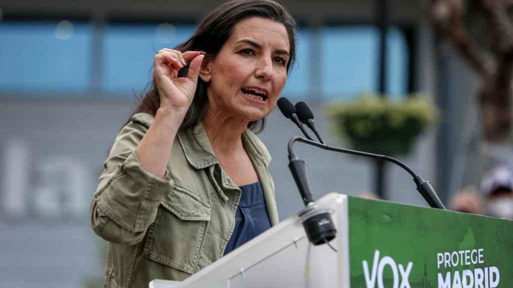 La candidata de Vox a la presidencia de la Comunidad de Madrid, Rocío Monasterio, realiza una intervención en el acto electoral del partido en Fuenlabrada.