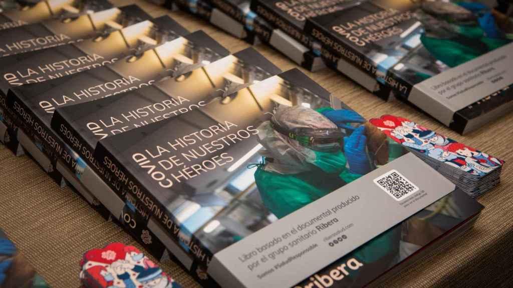 Libro 'Covid: la historia de nuestros héroes', presentado por Ribera Salud. EE