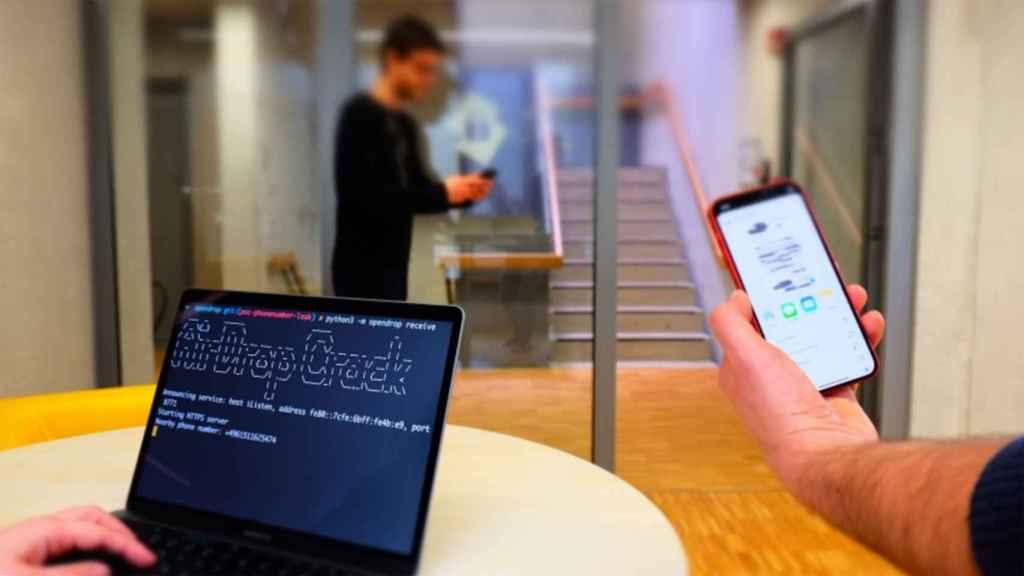 Un atacante puede usar un portátil para obtener datos del iPhone