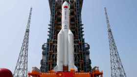 The Long March-5B Y2 rocket sits at the launch pad of Wenchang Space Launch Center