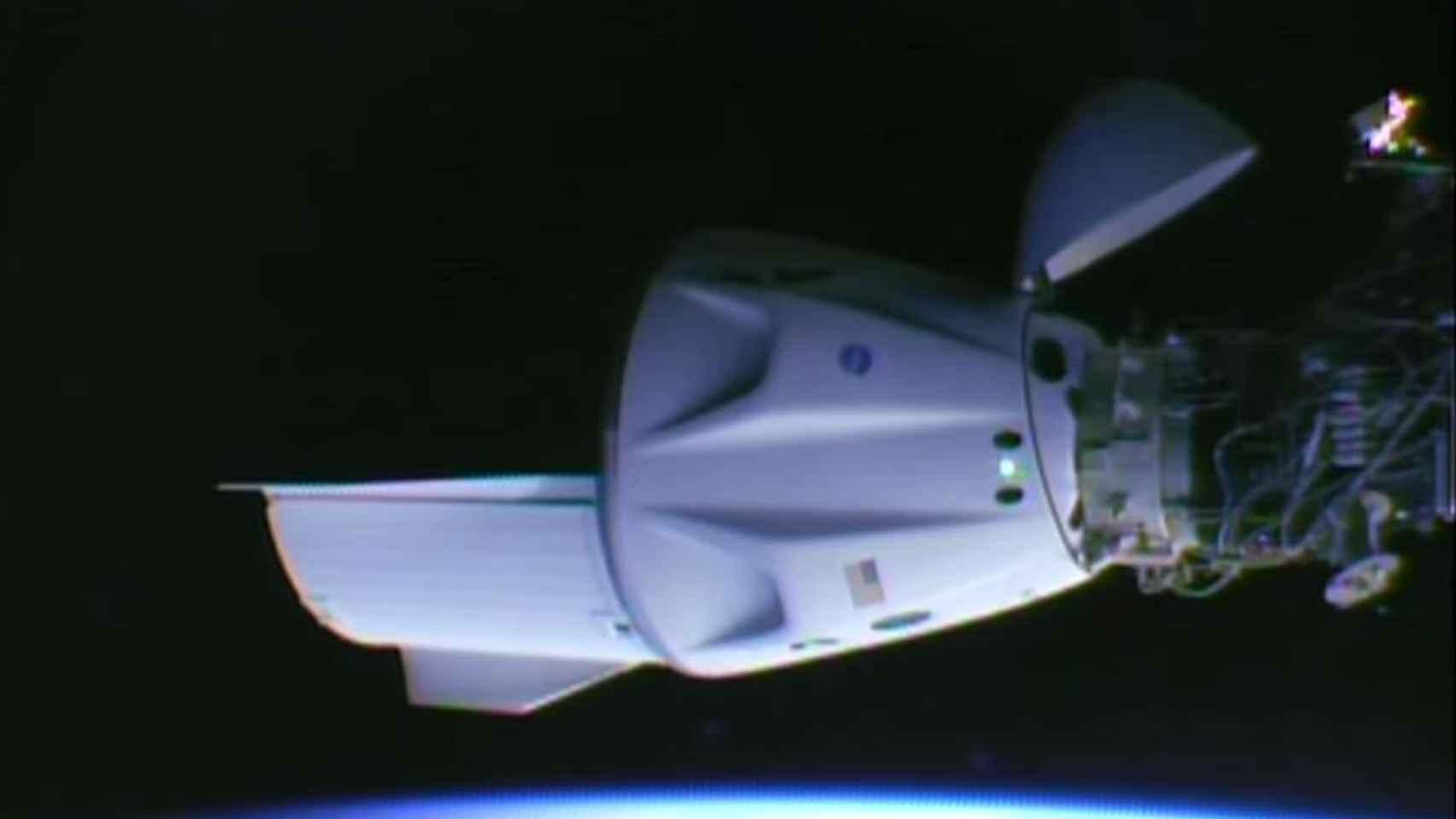 Crew Dragon acoplada a la ISS.