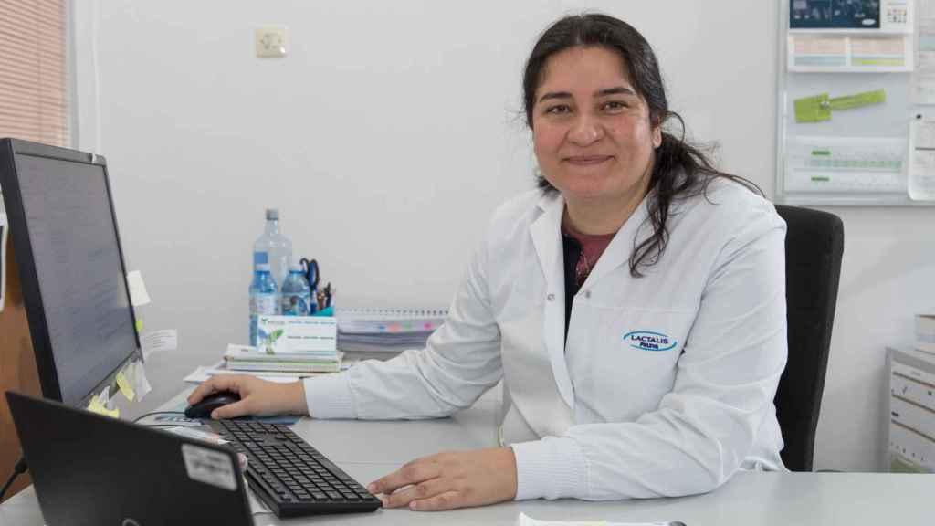 Isabel Álvarez, en la fábrica de Puleva en Lugo.