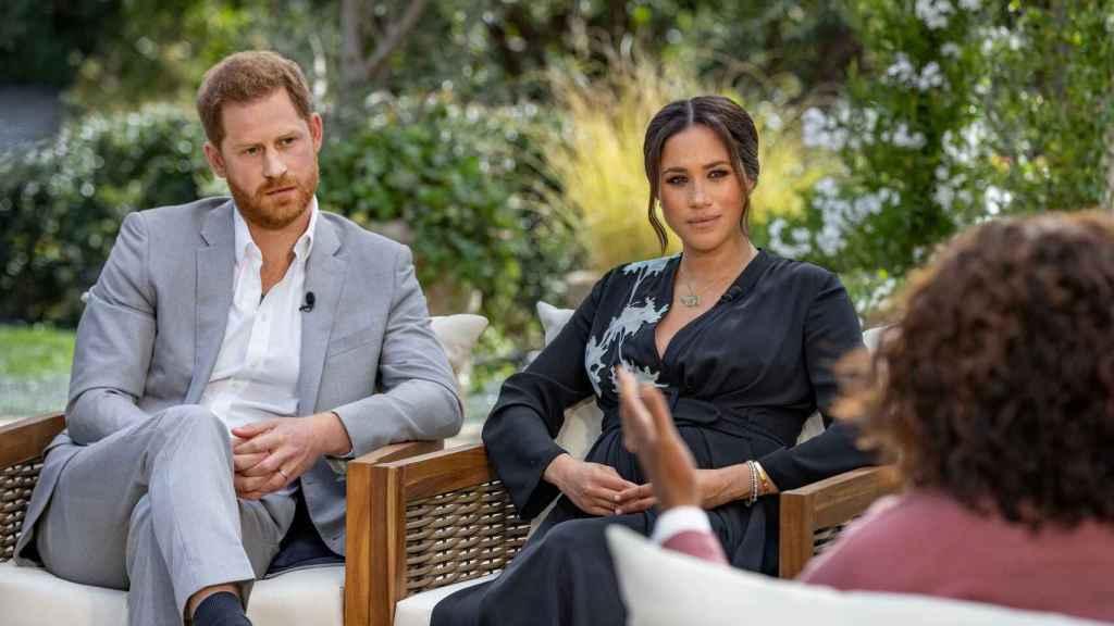 Harry y Meghan durante su entrevista con Oprah Winfrey.