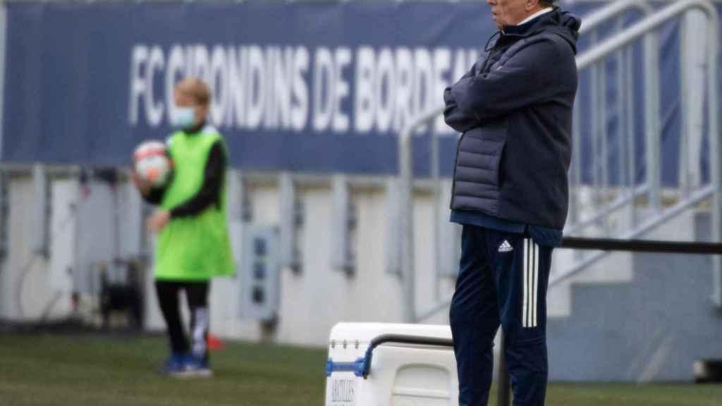El entrenador del Girondins de Burdeos durante un partido
