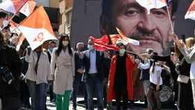 Bal, flanqueado por Arrimadas y Villacís, en un acto de campaña.