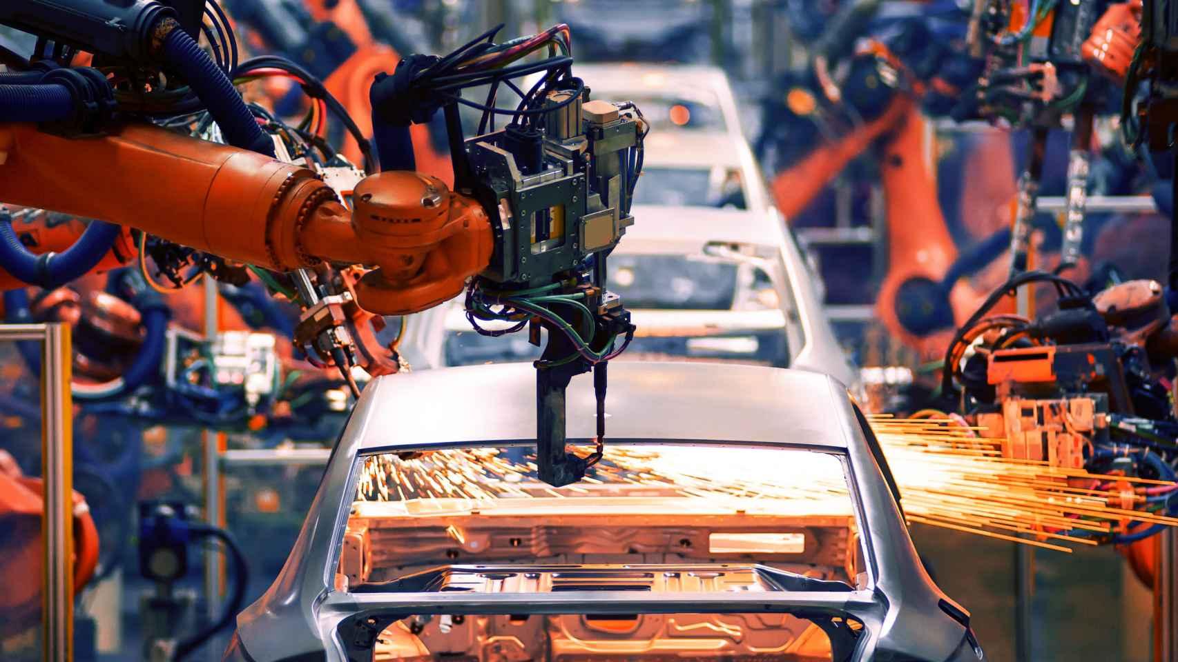 Imagen de una planta de fabricación de automóviles.