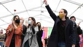 Iglesias junto a Belarra y Noelia Vera, en un acto de campaña.