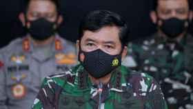 El jefe de las Fuerzas Armadas de Indonesia, Hadi Tjahjanto, durante una rueda de prensa.