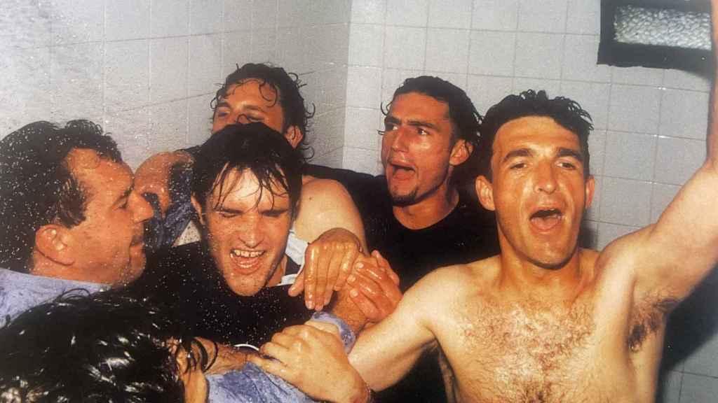 La celebración en las duchas.