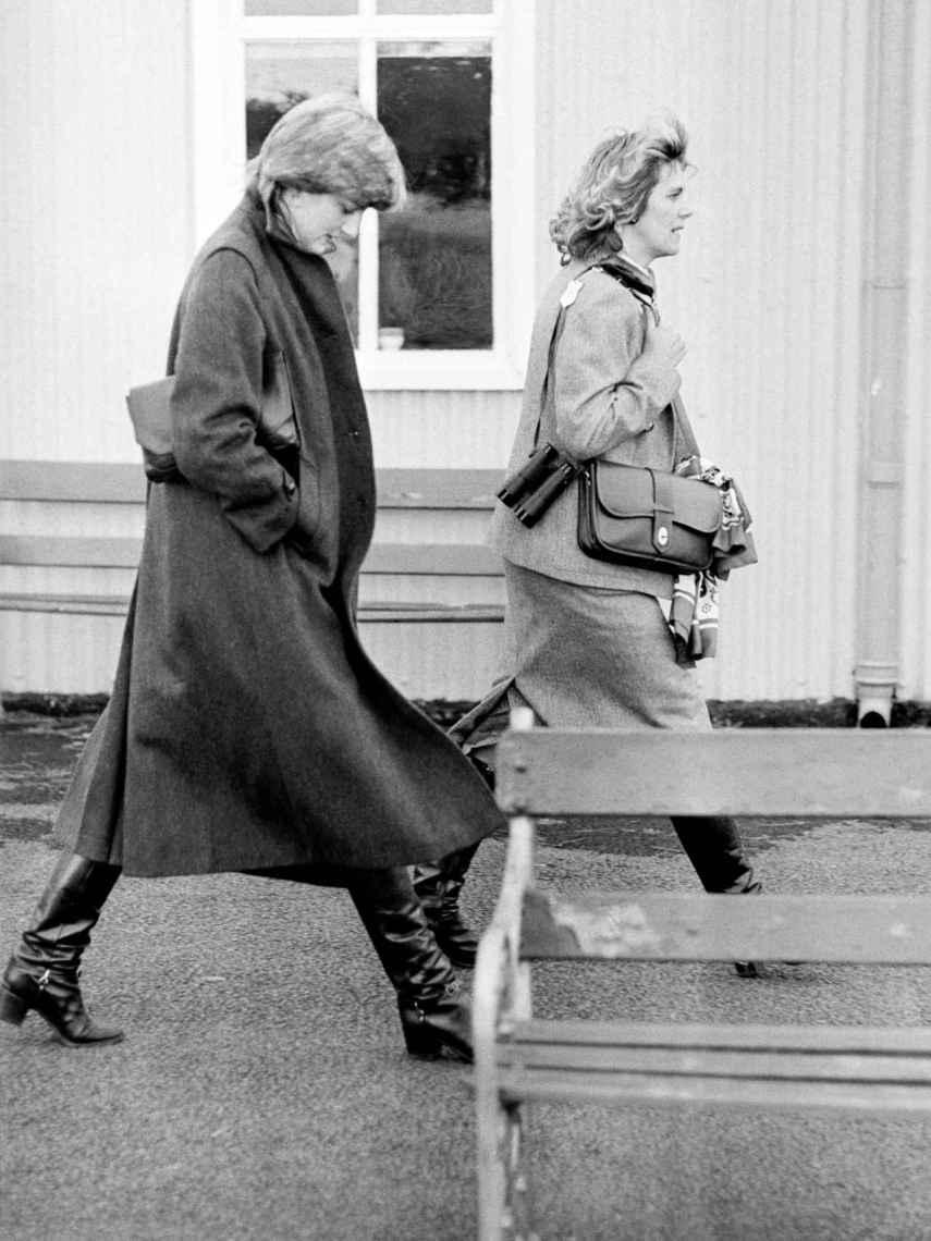 Diana de Gales y Camilla Parker-Bowles, en una imagen de 1980.