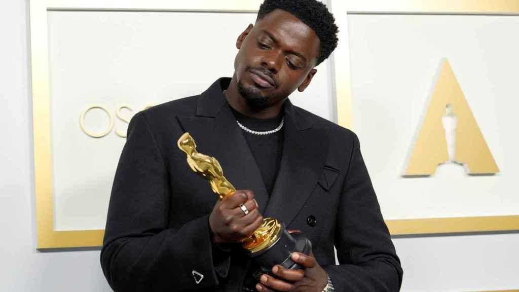 Daniel Kaluuya, mejor actor secundario por la película 'Judas y el mesías negro'.