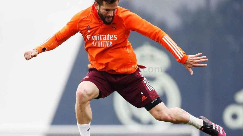 Nacho Fernández, durante un entrenamiento con el Real Madrid
