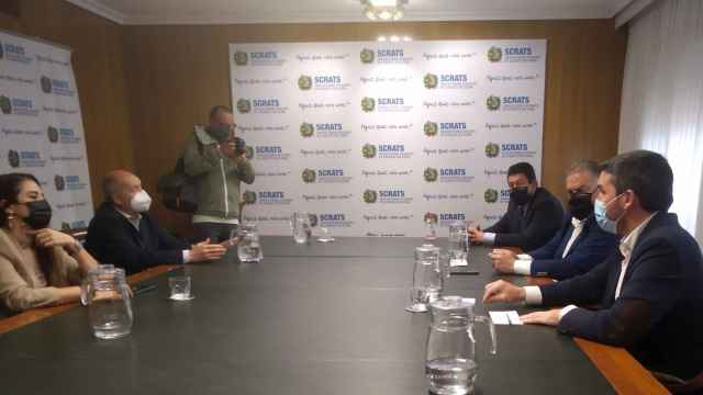 La consejera de Agricultura de Valencia cara a cara con el consejero de Agricultura en Murcia.
