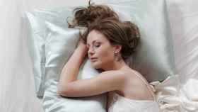 La funda de almohada adecuada puede mejorar tu piel y tu pelo, descubre cómo