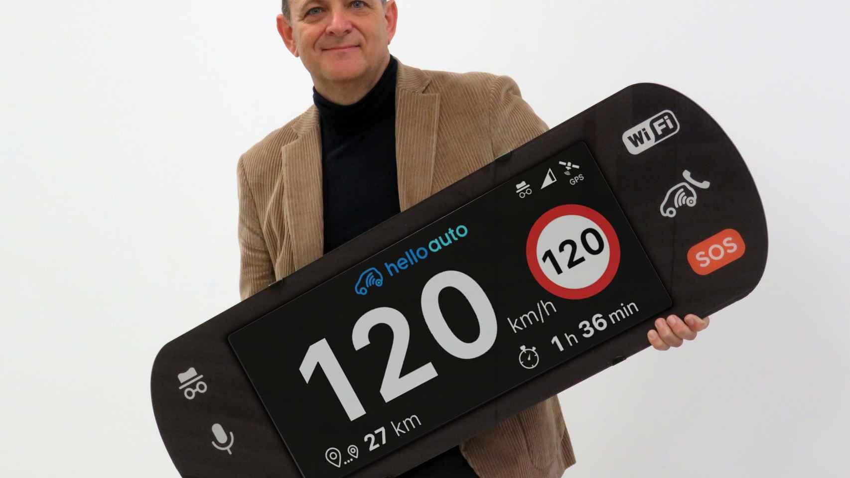 Manuel Santiago,  cofundador y presidente de Hello Auto.
