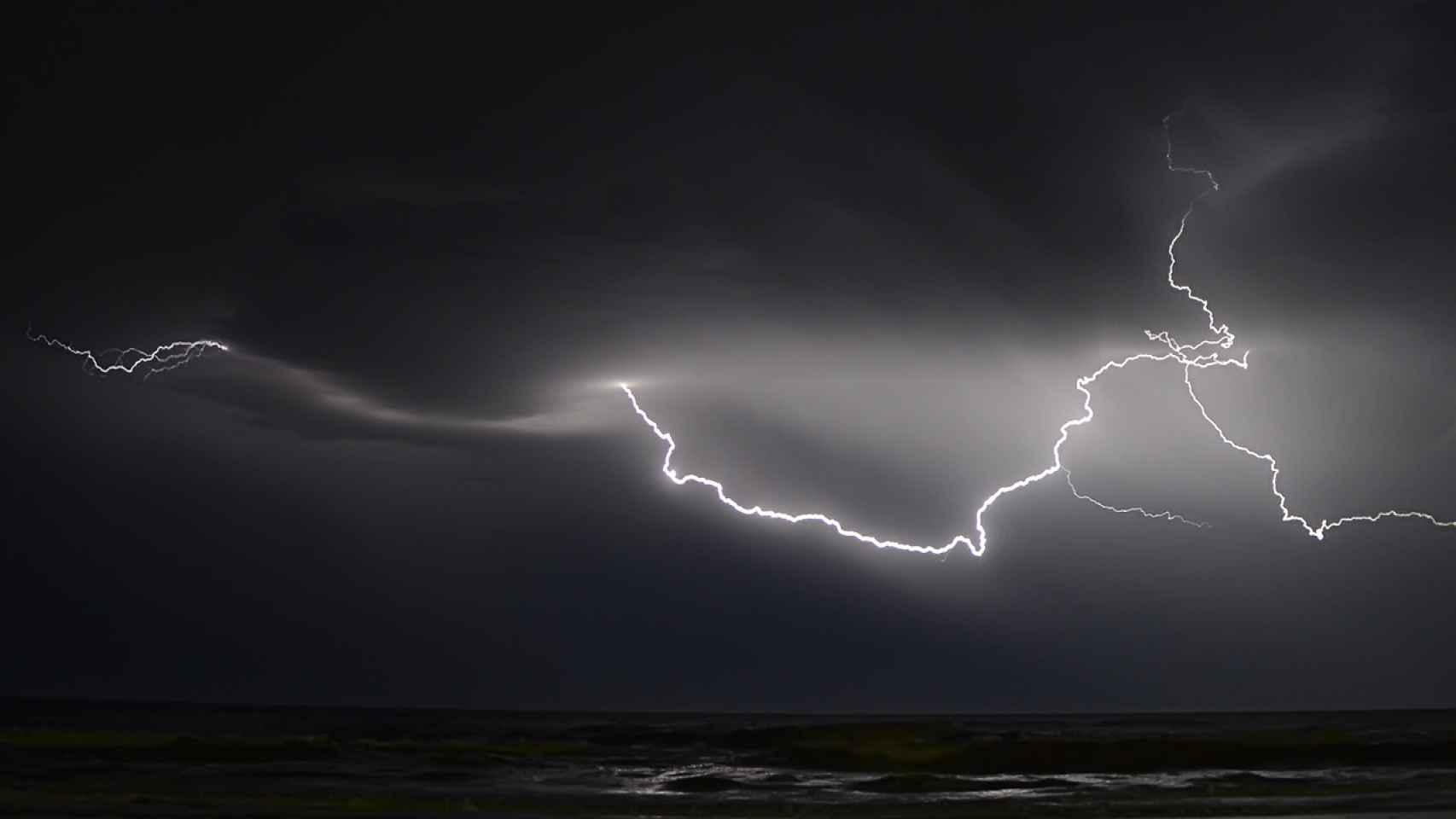 Las tormentas eléctricas podrían repetirse en los próximos días por todo el litoral alicantino