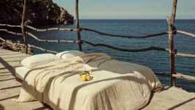 Mango teletransporta tu casa al mediterráneo con su nueva colección.
