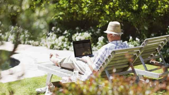 Que el buen tiempo te pille preparado: estas son las mejores tumbonas plegables para tu terraza o jardín