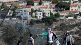 Palestinos protestan contra Israel en territorio ocupado.
