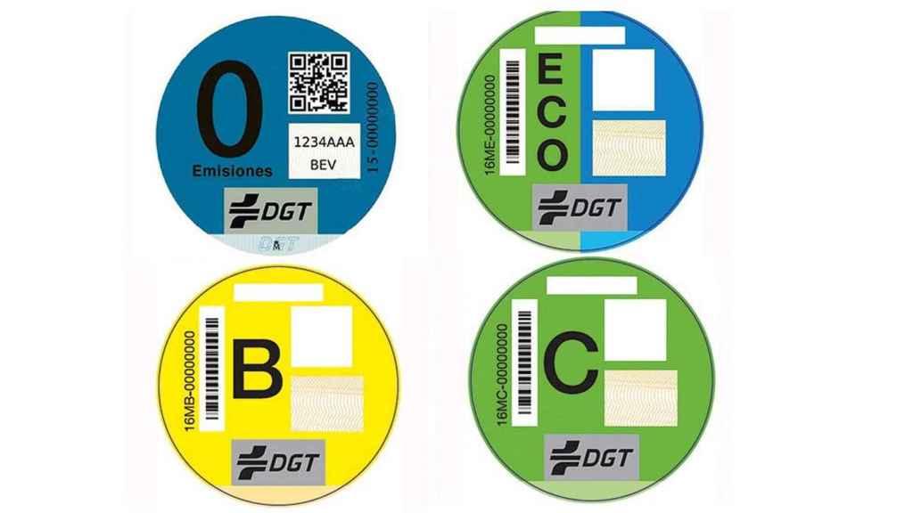 Las cuatro etiquetas vigentes de la DGT desde 2016.