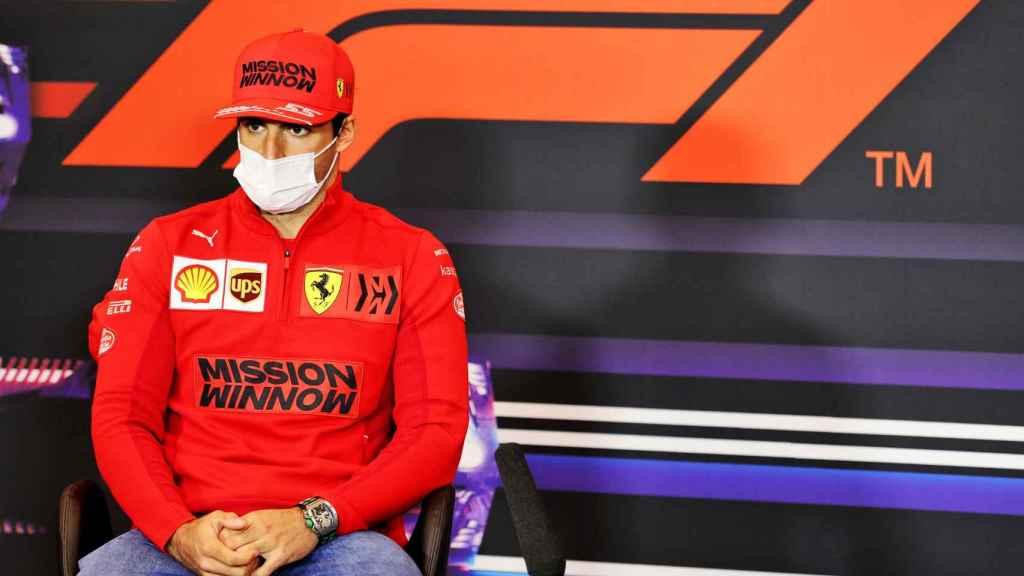 Carlos Sainz Jr. durante una rueda de prensa de la Fórmula 1
