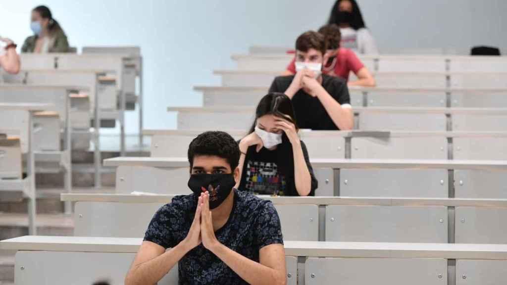 Este año también será obligatorio el uso de la mascarilla durante los exámenes de EBAU.