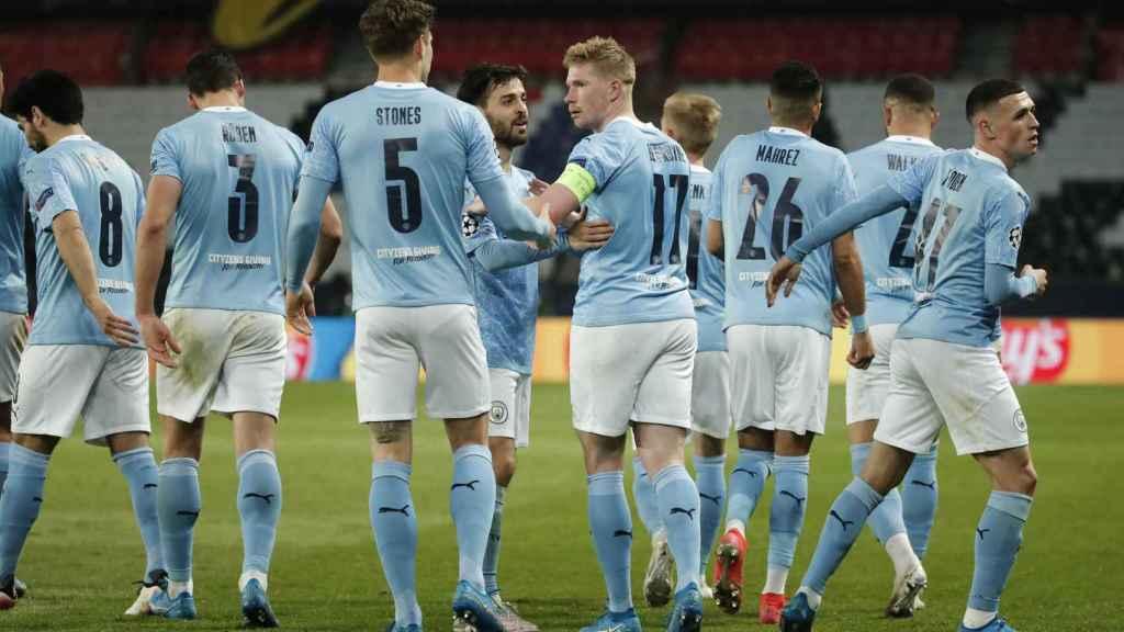 Los jugadores del Manchester City celebran el gol de Kevin De Bruyne