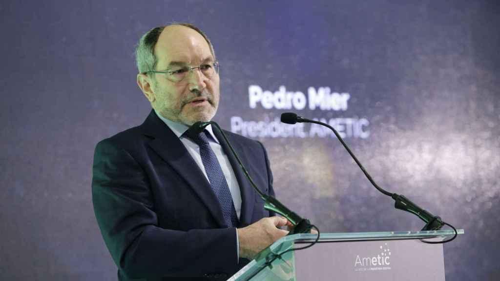 Pedro Mier en el evento sobre IA organizado por Ametic