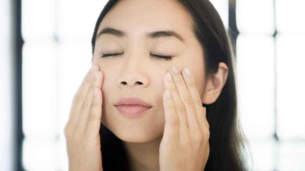 La hidratación de la cara se ha convertido en una necesidad, sobre todo, por el uso de las mascarillas.