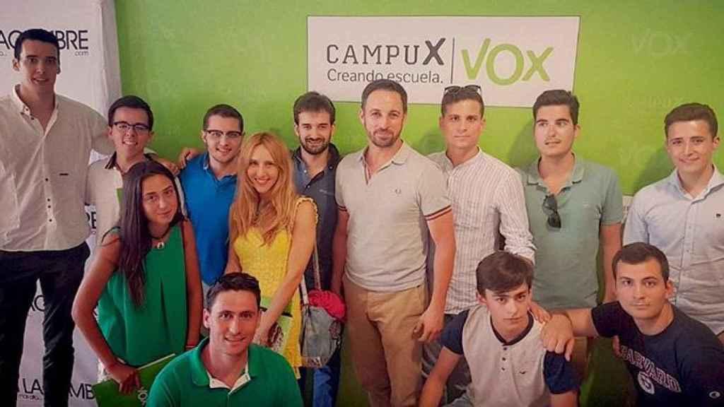 Santiago Abascal en una reunión de 'Cañas por España'.