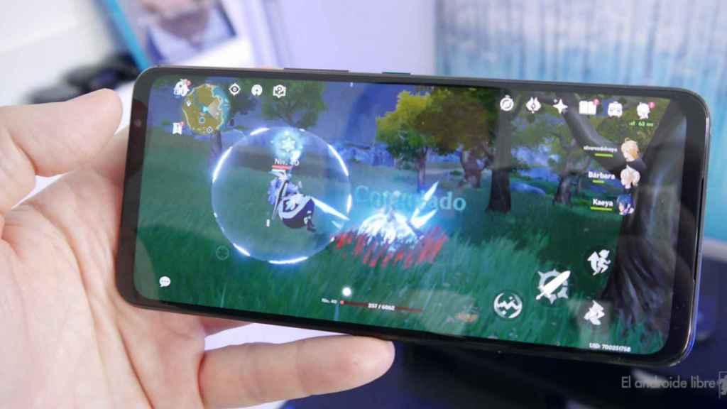 Asus ROG Phone 5 corriendo Genshin Impact