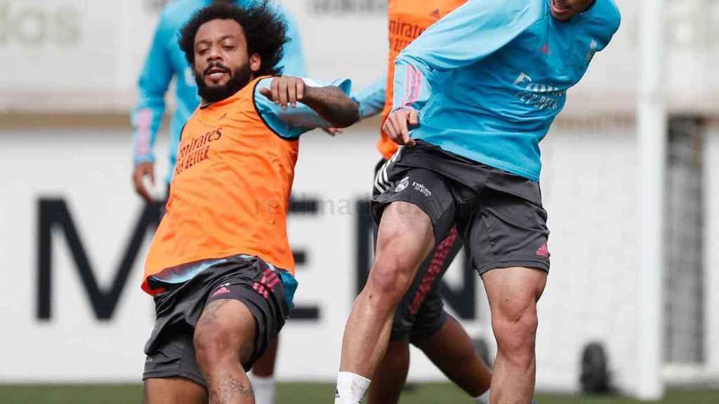 Marcelo y Antonio Blanco, durante un entrenamiento del Real Madrid