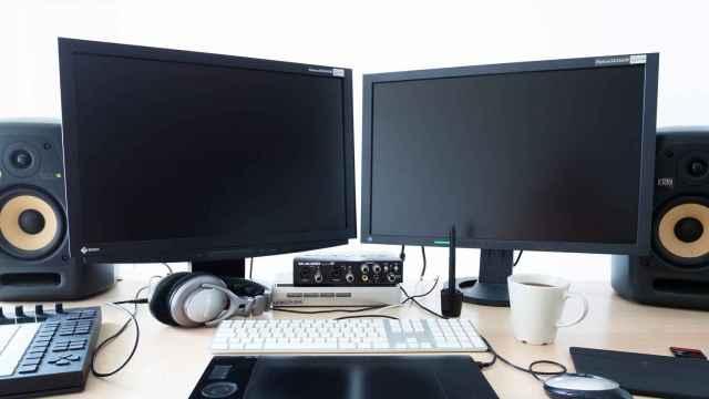 Muchos creadores y trabajadores prefieren usar dos pantallas en el ordenador