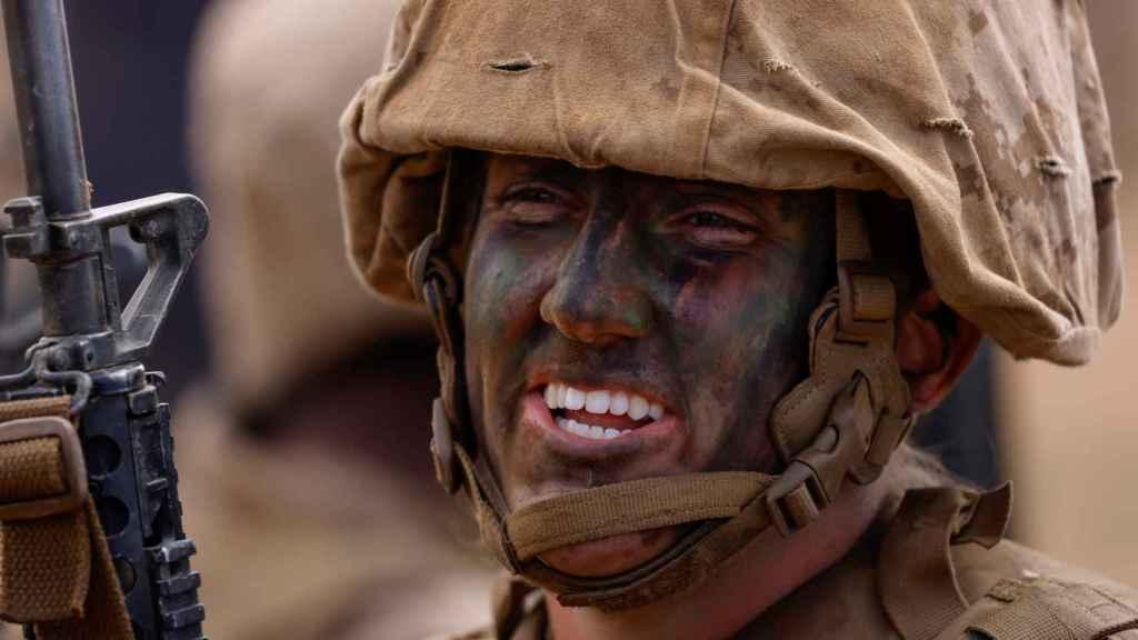 Abigail Ragland, de 20 años, recluta del Depósito de Reclutamiento del Cuerpo de Marines de EE. UU.