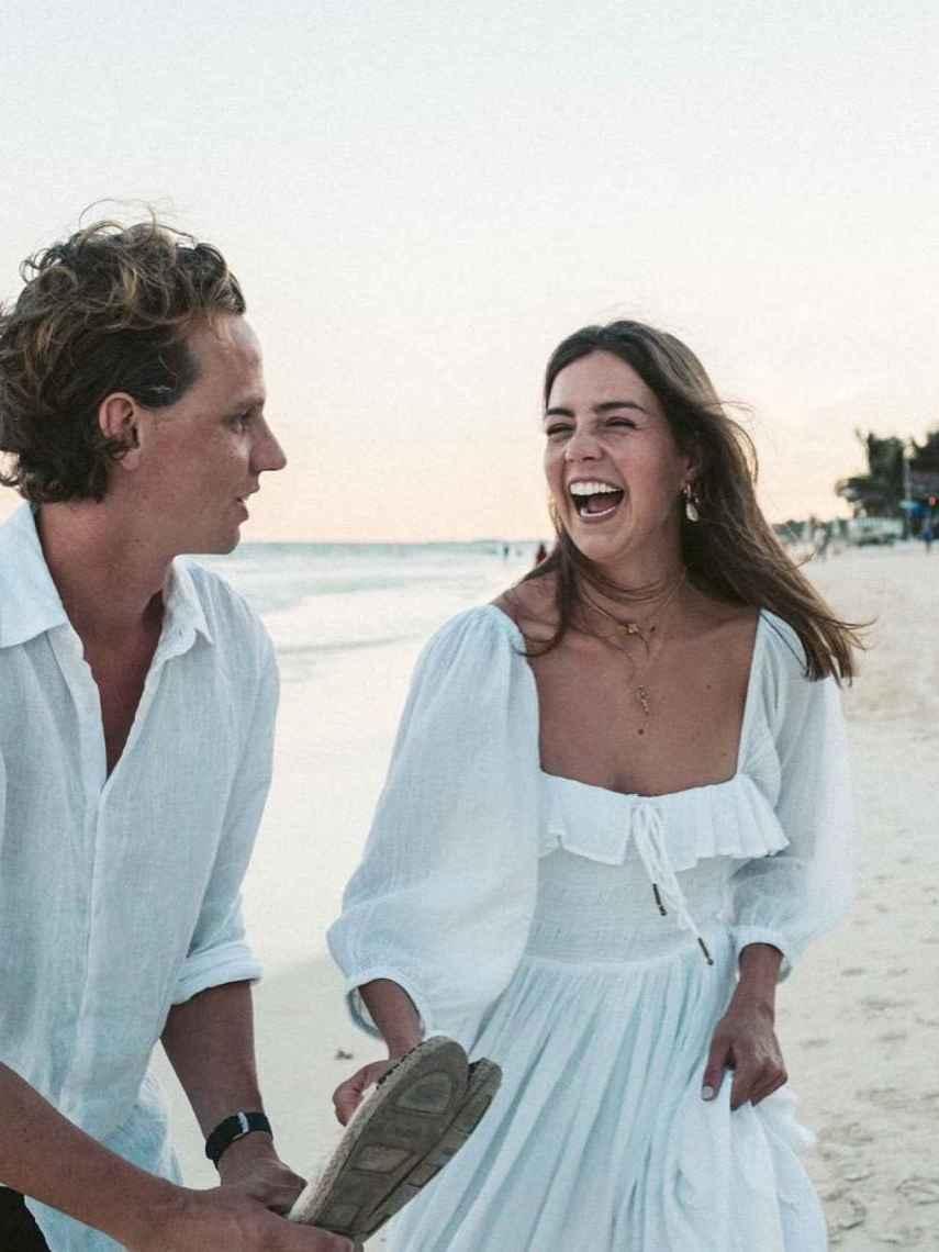 Will Warr también encontró a su propia 'Kate Middleton' en Sarah Mills.
