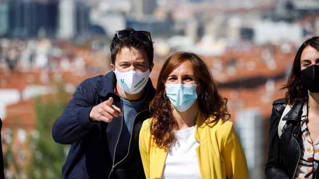 Mónica García e Íñigo Errejón, en un acto de campaña.