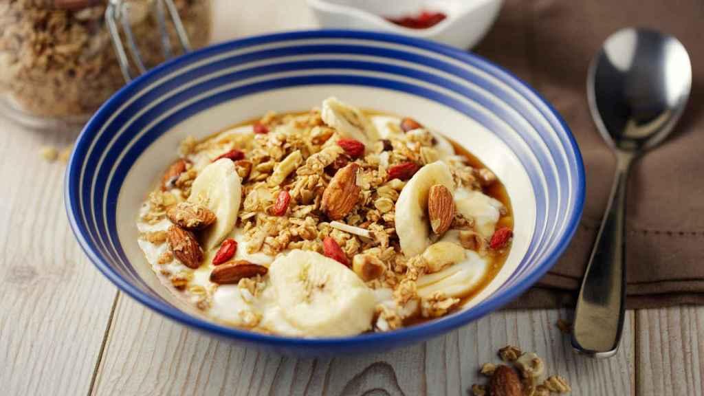 Un plato con distintos cereales.