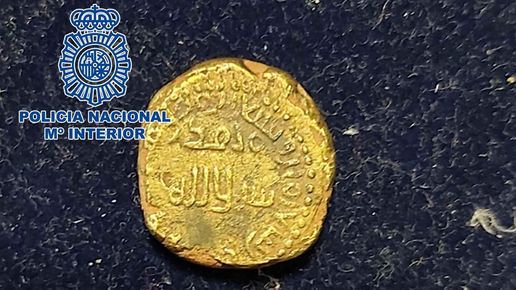 Detenido en Calpe un hombre por tener una moneda de oro hispanoamericana perteneciente al S.XIII