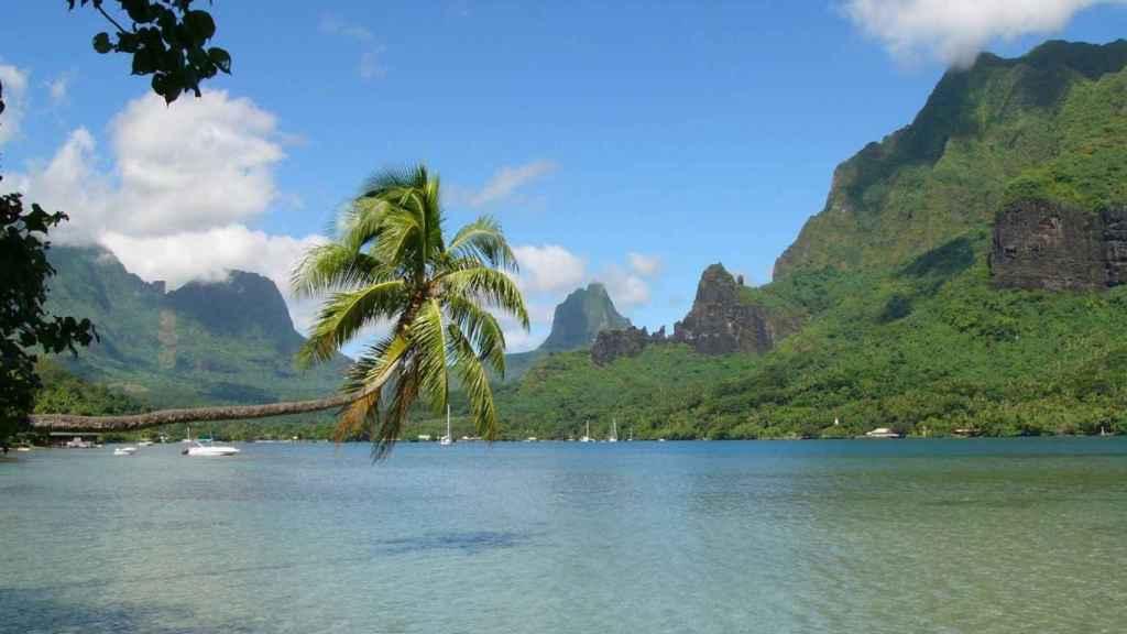 Bahía de Cook, situada en Moorea (Polinesia Francesa).