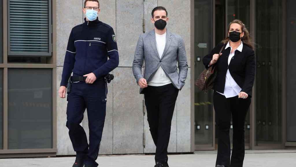 Metzelder tras su juicio en Dusseldorf