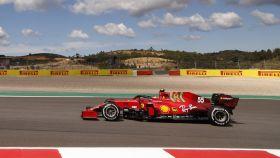 Carlos Sainz en el circuito de Portimao en el GP de Portugal